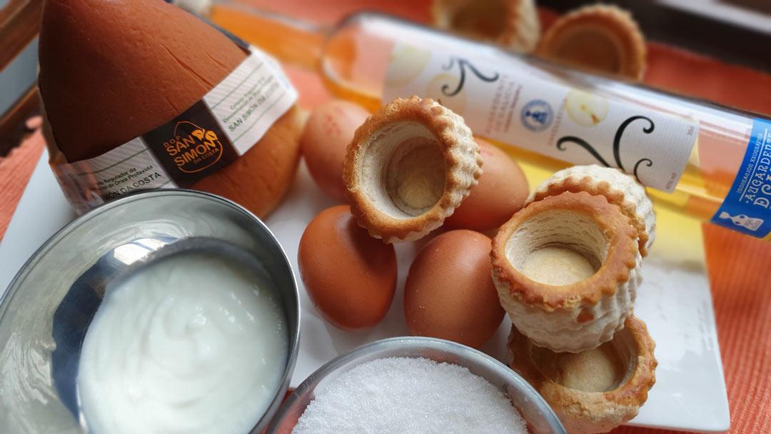 Minitartas de queso San Simón (y un toque de Orujo de Galicia)